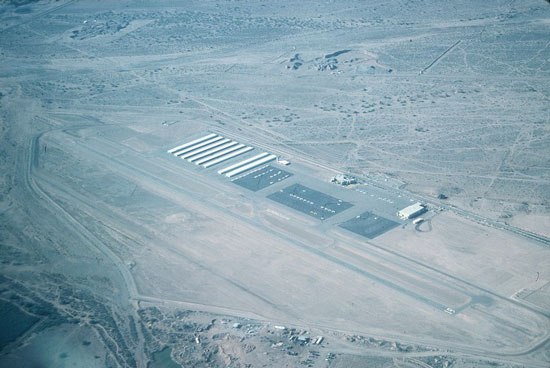 Glendale Municipal Airport (KGEU), January 3, 1990. Photo by Brian Baker. Used With Permission.